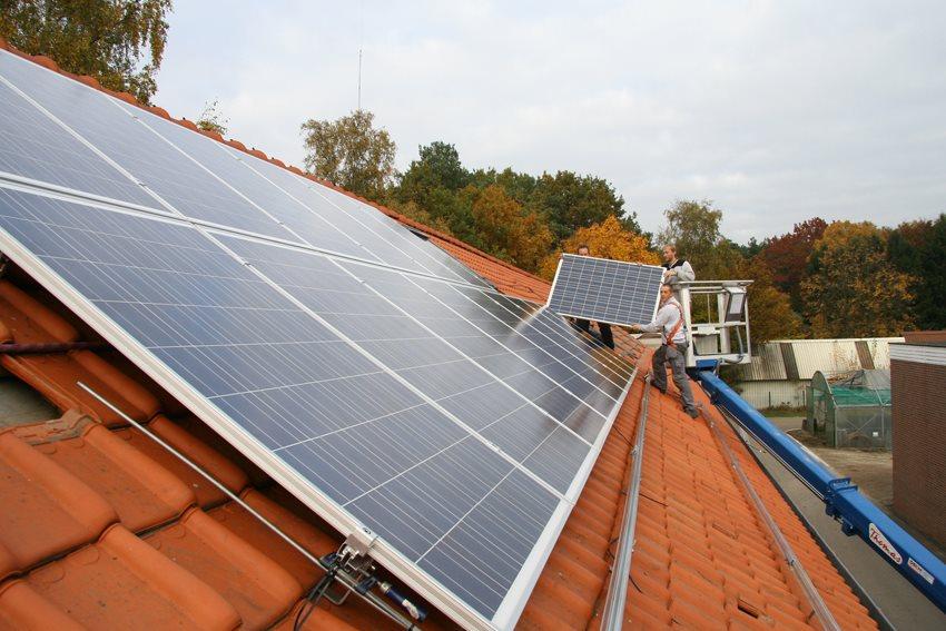 Natuurhulpcentrum plaatst extra zonnepanelen...